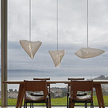 Shown in White finish with Ballet Elance and Releve Pendants