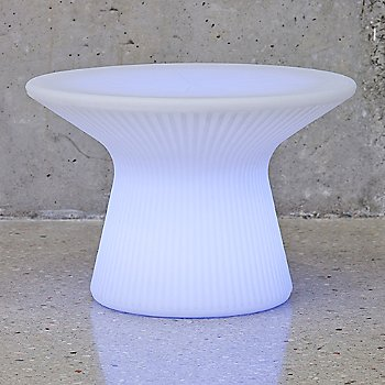 Saint-Tropez XS LED Coffee Table / in use