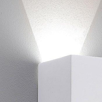 Detail / illuminated