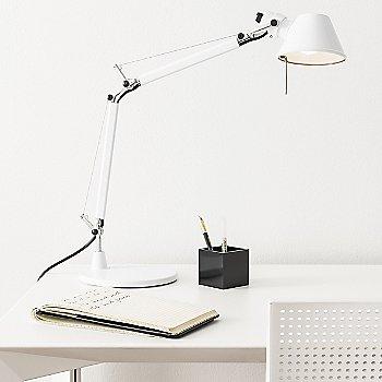Gloss White finish / Table Base