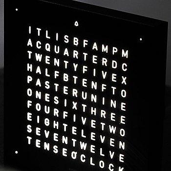 Deep Black color / English Language, in detail
