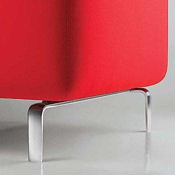 Focus: Crimson color / Detail view