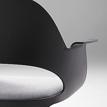 Black with Essential Leather / Quartz / Detail view