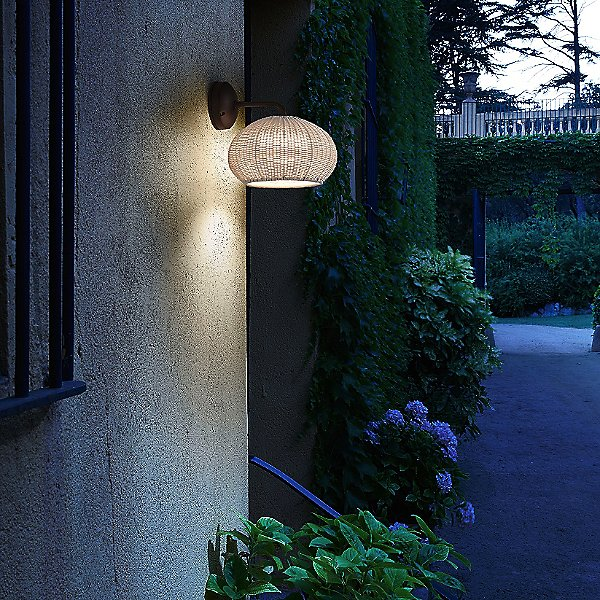 Garota Outdoor Wall Light
