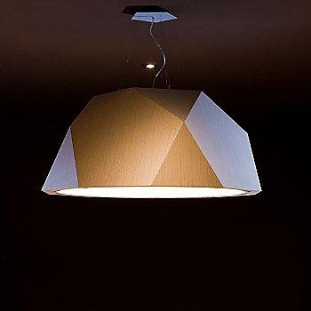 22.5 Inch / Light Wood, in use, illuminated