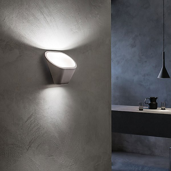 Aplomb LED Wall Sconce