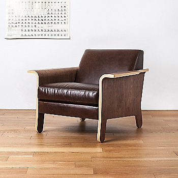 Saddle Brown Leather color, in use