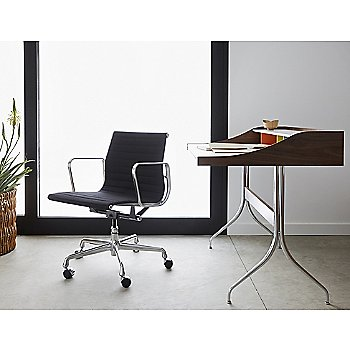 Eames Aluminum Group Management Chair with Noguchi Rudder Table
