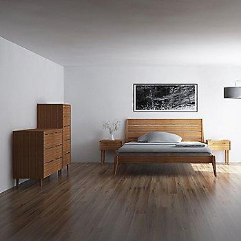Lifestyle, shown with Sienna Platform Bed, Sienna Nightstands, 5 Drawer Chest (sold separately)