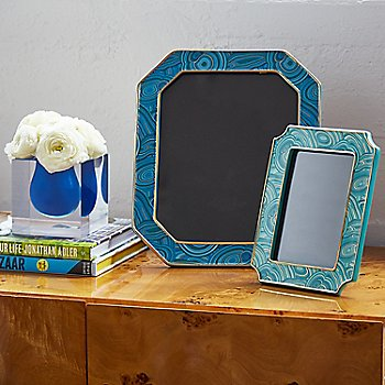 Blue frame / in use