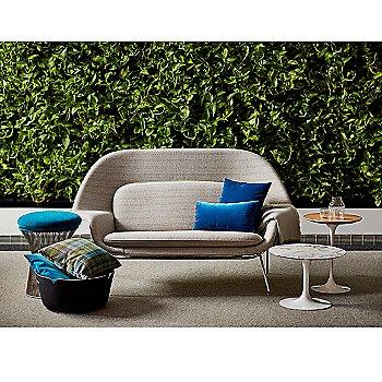 Shown with Saarinen Womb Settee / Saarinen Round Side Tables / Saarinen 35.75-Inch Round Coffee Table