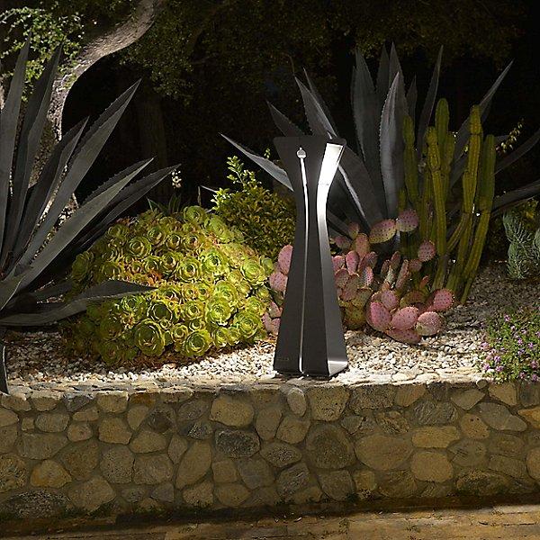 Bloom Outdoor LED Floor Lamp