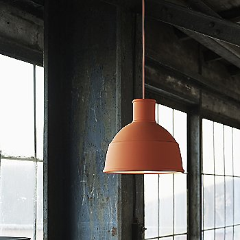 Terracotta shade / in use