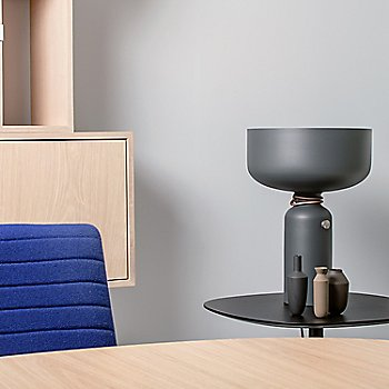 Spotlight Volumes D Series Table Lamp / in use
