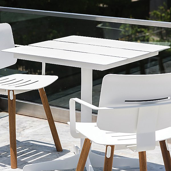 Ceru Cafe Table