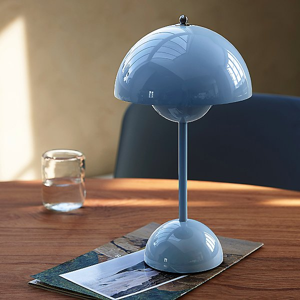 Flowerpot VP9 Rechargeable Table Lamp