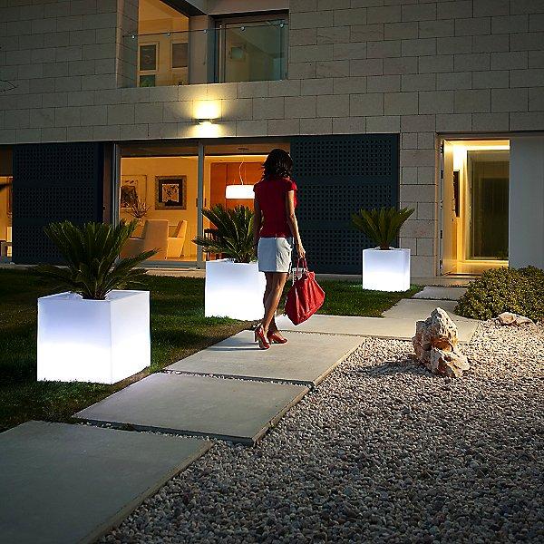 Cube Ice White Illuminated Planter