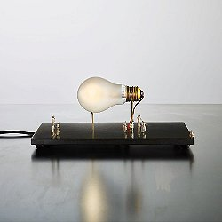Monument for a Bulb Table Lamp