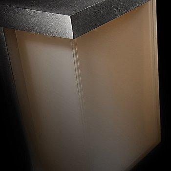 Brushed Aluminum finish
