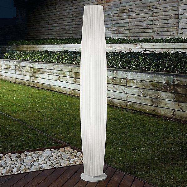 Maxi-P Outdoor Floor Lamp