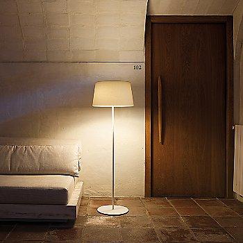 Warm Screen Shade Floor Lamp / in use