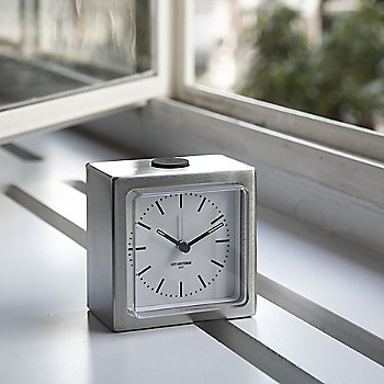Stainless Steel with White finish / in use