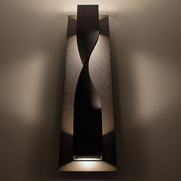 Twist Outdoor Wall Light